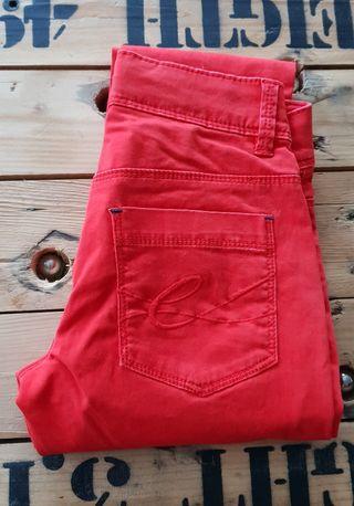 Pantalón rojo niña