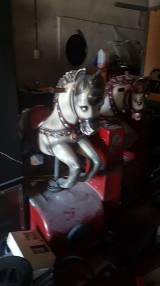 máquina recreativa de de caballos 1 €