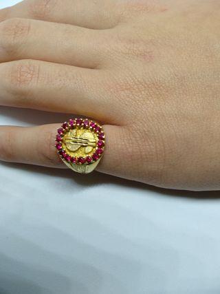 anillo símbolo del dolar