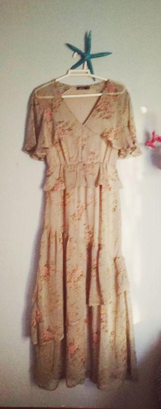 precioso vestido de Boohoo