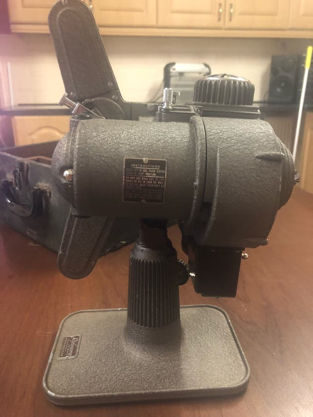 Vinatage 1940's Revere Projector