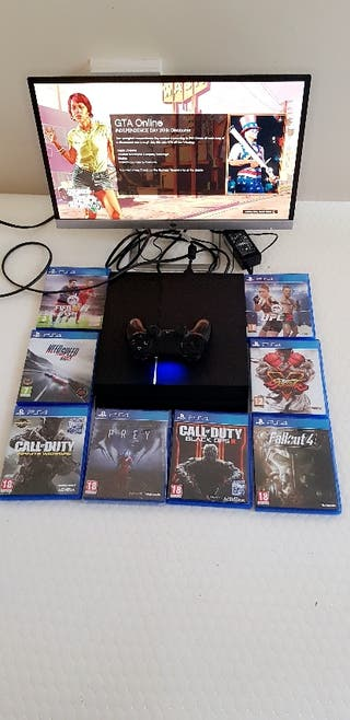 Ps4 with controller and Grand theft auto five