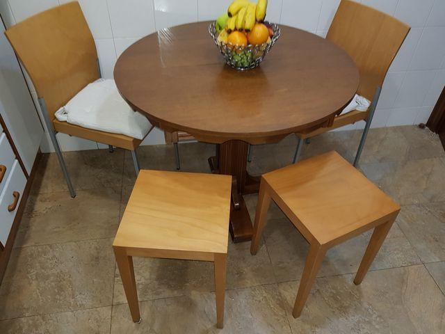 Mesa y sillas de cocina de segunda mano por 30 € en Barcelona en ...