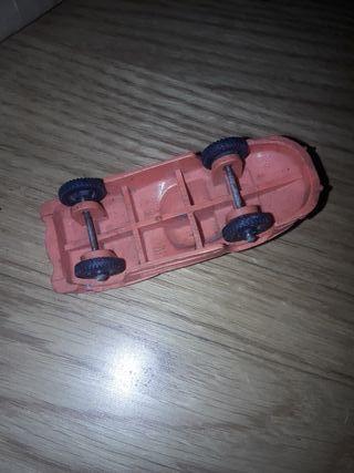 antiguo coche plastico