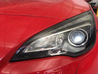 Faro xenón Opel astra