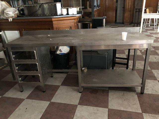 Mesa cocina industrial de segunda mano por 500 € en Vigo en WALLAPOP