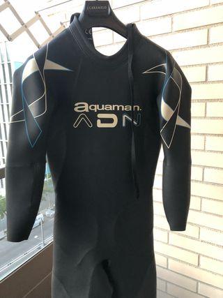 Neopreno Aquaman de segunda mano en WALLAPOP 7836def0e49