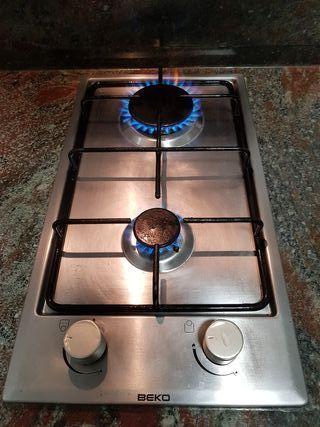 Cocina 2 fuegos gas butano beko de segunda mano por 40 en murcia en wallapop - Cocina butano segunda mano ...