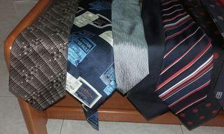 Corbatas variadas a un euro cada una