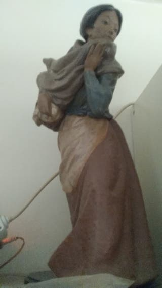 Figura de mujer de Lladró