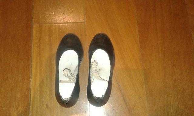 zapatos tacon niña negros 34,30,29