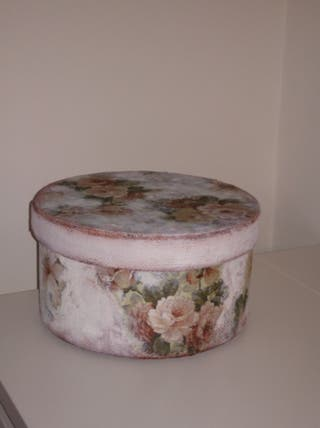 Caja redonda estilo vintage