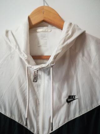 Sportswear S Segunda De Negroblanca Mano Nike Windrunner Chaqueta hCxsrdtQ