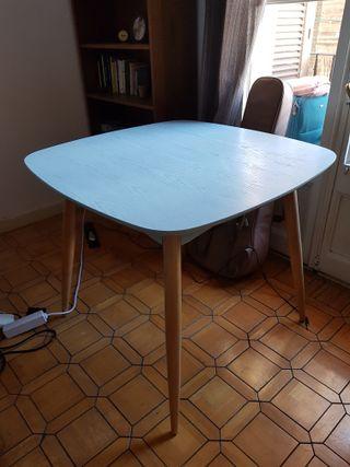 Mesa comedor cuadrada azul design nordico de segunda mano por 80 ...