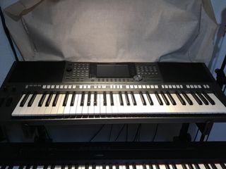 TECLADO ( piano)YAMAHA PSR-S970 !OPORTUNIDAD!