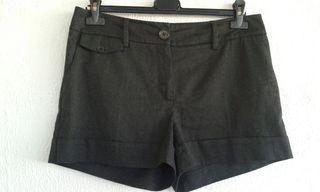Pantalón corto de vestir. H&M 40