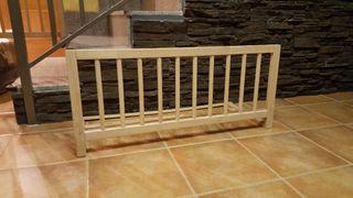 dos barreras madera cama niño