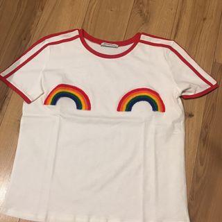 Camiseta Zara arcoíris de segunda mano por 8 € en Madrid en