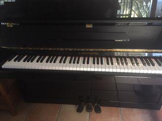 Piano Kinsburg SP 1734