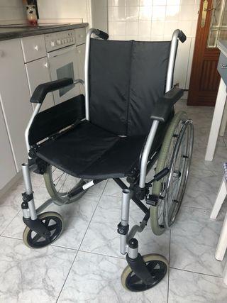 Sillas de ruedas plegables de segunda mano en wallapop for Silla de ruedas de segunda