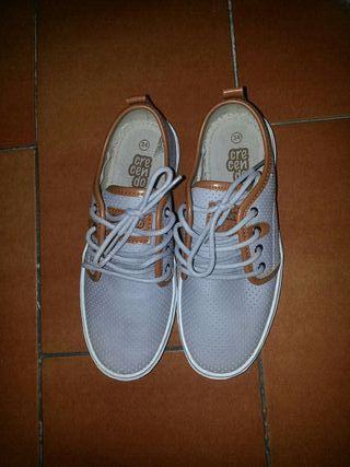 Zapatos niño nuevo talla 34