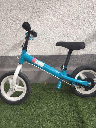 Bicicleta sin pedales. Run ride