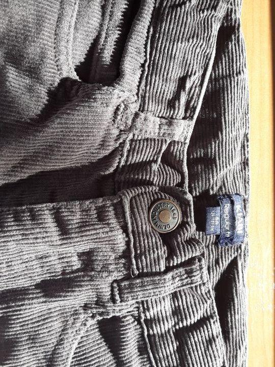 419968c501b Pantalón de pana kiabi de segunda mano por 5 € en Ponteareas en WALLAPOP