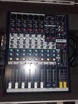 Mesa de mezclas Soundcraft EPM 6