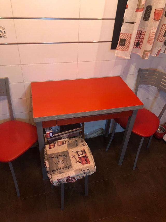 Conjunto mesa cocina roja de segunda mano por 128 € en Santander en ...