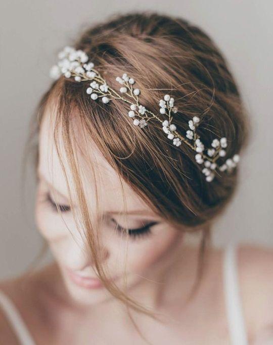 Muy fino y precioso tocado para novia hecho a mano