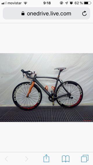 Bicicleta de carbono de carretera