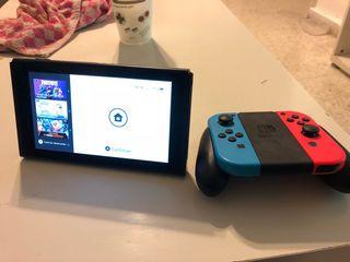 Consola Nintendo Switch con 6 juegos y mando Hori
