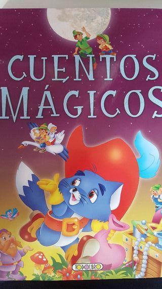 Cuentos infantiles. Bambi... 5 € los 3 libros.