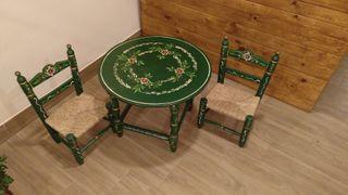 mesa y sillas sevillanas infantiles