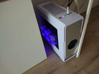 PC gamer con monitor 2k (QHD,2560x1440) y garantia