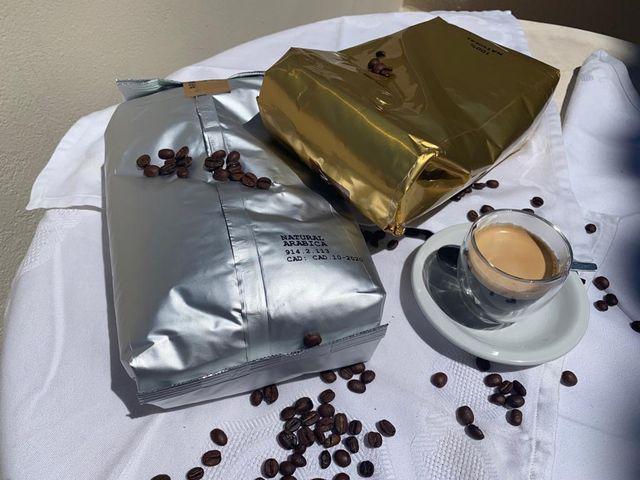 Cafes Arabica y Robusta , Saecos , delonghis etc