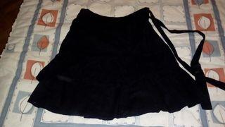 minifalda negra estradivarius