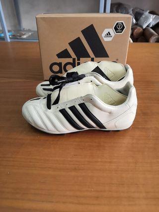 botas niño Adidas talla 35