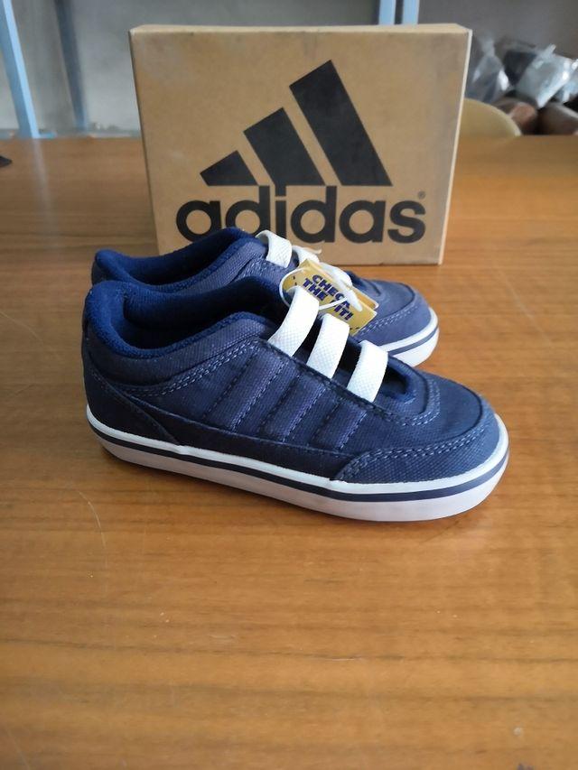 Zapatillas niño Adidas talla 24 de segunda mano por 14 € en Santa ... 941fbbcc851fc