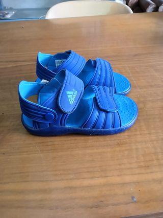 chanclas Adidas talla 34