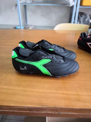 botas fútbol Diadora talla 38