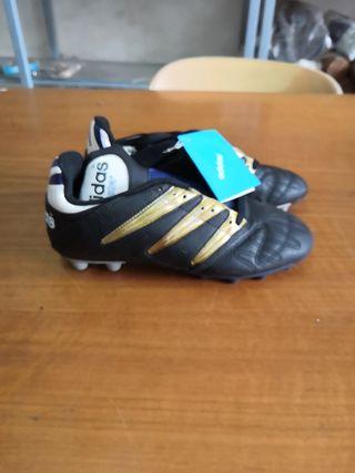 botas fútbol niño Adidas talla 38
