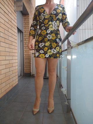 vestido estilo años 70 ZARA