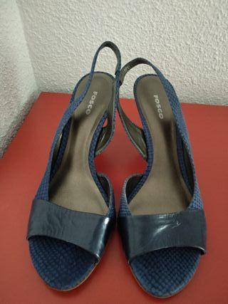 sandalias de piel azul