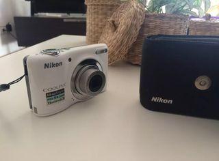 Cámara de fotos digital Nikon