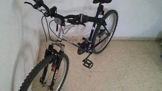 """Bicicleta de montaña con ruedas de 26"""""""