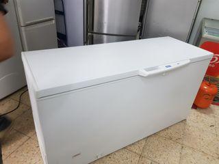 congelador grande de 1.60 M de largo