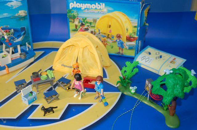 Lote Playmobil- Barco de pesca 5131 y camping 5435