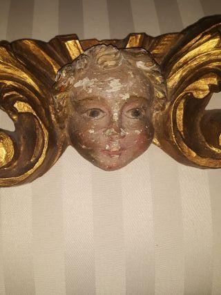angel antiguo tallado