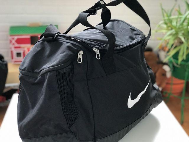 776e001b641c1 Macuto de gimnasio Nike de segunda mano por 35 € en Colmenar Viejo ...